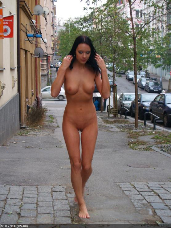 women naked in public № 141995
