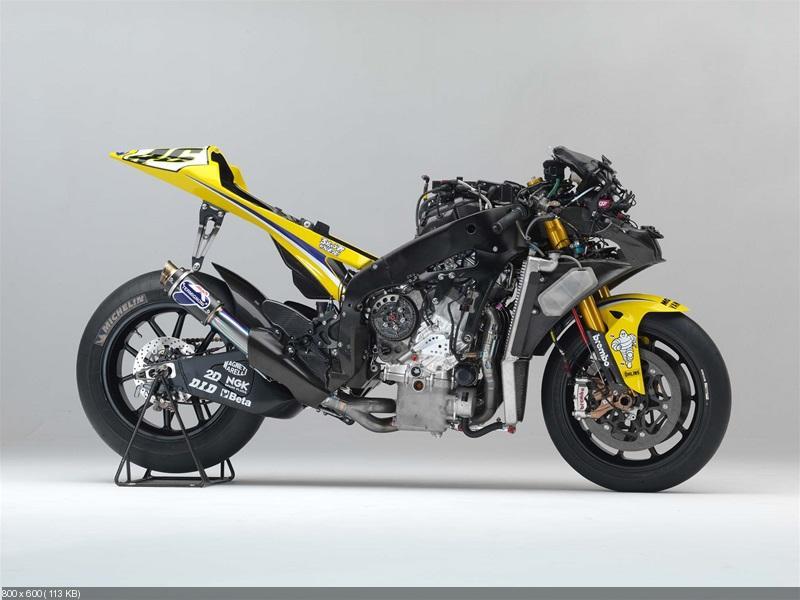 Прототипы Yamaha YZR-M1: 2013 vs. 2006