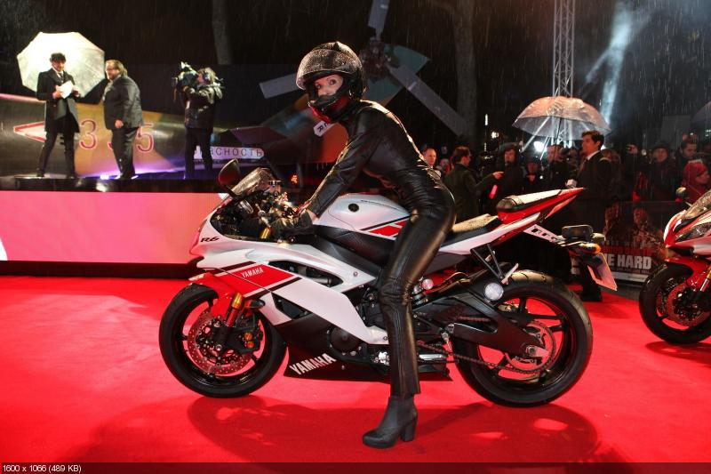 Крепкий орешек 5: Юлия Снигирь на спортбайке Yamaha YZF-R6