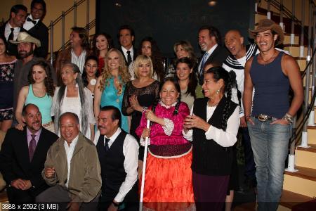 Maricruz Olivares vive con Ramiro, su abuelo materno; y con Solita, su