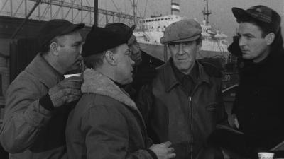 В порту / On the waterfront (1954) HDTVRip [720p]